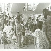 ชาวมหาวิทยาลัยขอนแก่น  ให้ความช่วยเหลือเอื้อเฟื้อต่อผู้อพยพหนีภัยน้ำท่วม 5,000 คน ณ ศูนย์อาหารมหาวิทยาลัยขอนแก่น