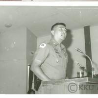 การบรรยายข้อเท็จจริงของเหตุการณ์ 6 ตุลาคม 2519 โดยคณะอนุกรรมการประชาสัมพันธ์  สำนักงานสารนิเทศ  กองบัญชาการทหารสูงสุด และนางวิมลศิริ  ชำนาญเวช  ณ  ห้องประชุมคณะเกษตรศาสตร์  ผู้บรรยายข้อเท็จจริงของเหตุการณ์ 6 ตุลาคม 2519